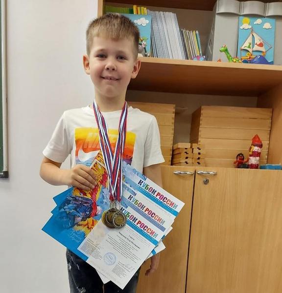 Евгений Витальевич гордится достижениями наследника.