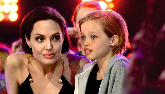 Дочь Анджелины Джоли, сын Шарлиз Терон и другие дети, которые хотят сменить пол
