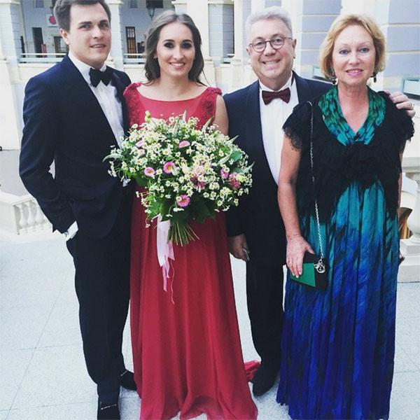 Галина и Петр пригласили на свадьбу все семейство Винокуров – Владимира Винокура, его супругу и дочь Анастасию с мужем