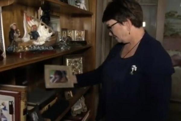 Ольга Владимировна призналась, что чувствует, будто Жанна в этой квартире