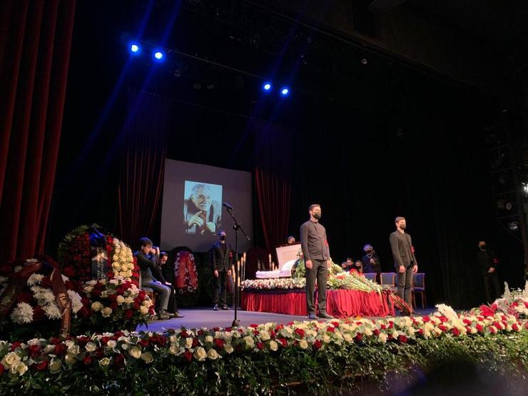 Прощание прошло в Московском драмтеатре, которым руководил артист