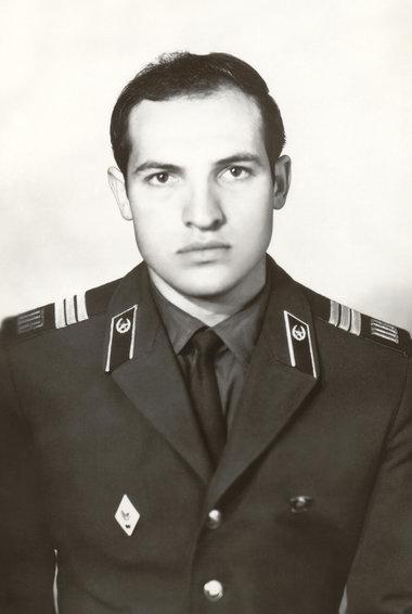 Лукашенко в армии