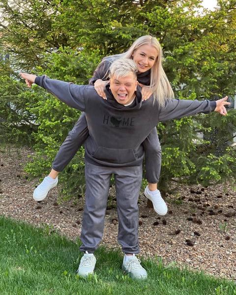 Элвин Грей с женой