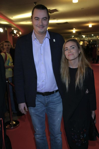 Главная муза режиссера - его жена Юлия Александрова.