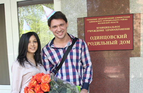 Роза и Алексей Кабановы на выписке Гобозовых