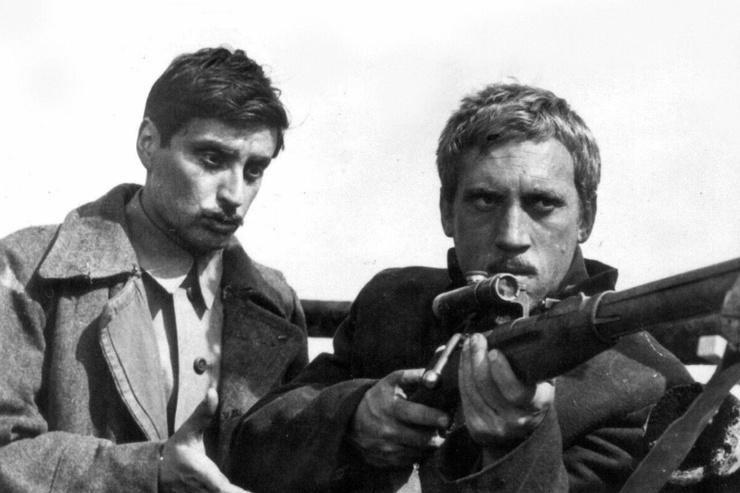Дебютом Смехова в кино стала роль в фильме «Служили два товарища»