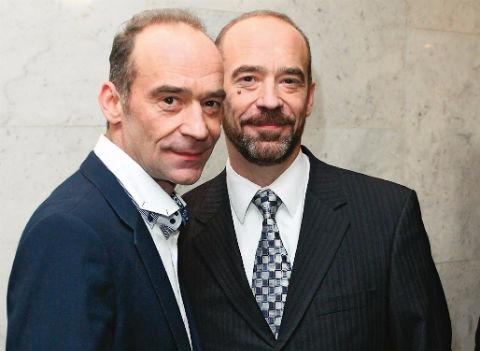 Близнецы из фильма «Приключения Электроника» задолжали банку 400 тысяч