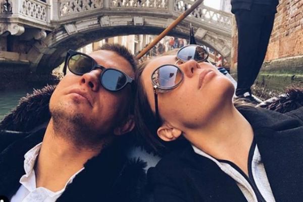 Агата часто признается мужу в любви в социальных сетях