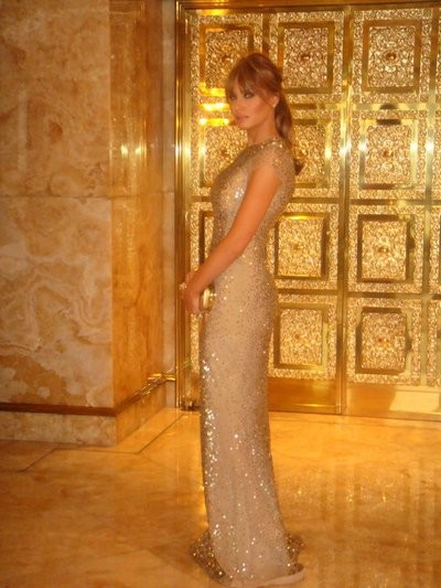 Модель также увлекается дизайном ювелирных украшений