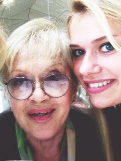 Алиса Фрейндлих и ее внучка Анна Тарасова