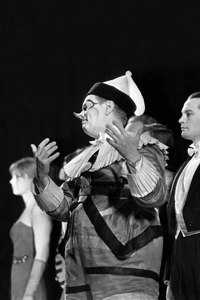 Николая приняли в театр имени Вахтангова с распростертыми объятьями