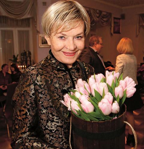 Людмила Чурсина – королева с балетной складочкой