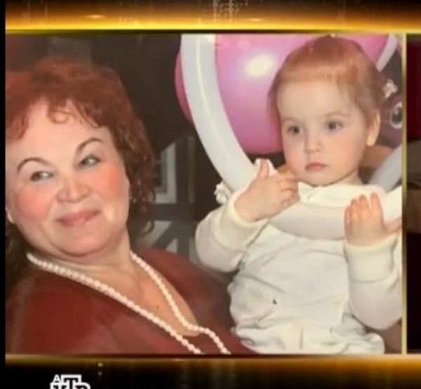 Няня Зоя с дочерью Марии Максаковой