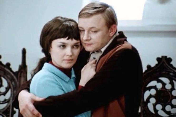 Всенародную любовь Гвоздиковой принесла роль в фильме «Большая перемена»