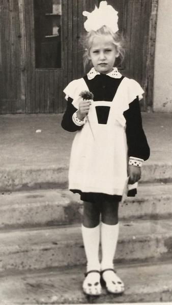 Уже в начальной школе Юля была лидером и заводилой