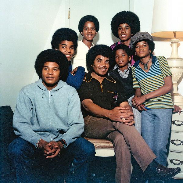 В начале 60-х Джо Джексон из своих сыновей создал группу The Jackson 5