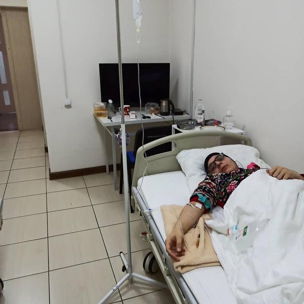 Гита признается, что ей порядком надоели больничные стены