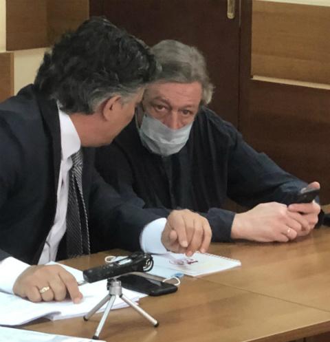 «С трудом узнаю себя, это мистер Хайд»: второй день суда над Михаилом Ефремовым