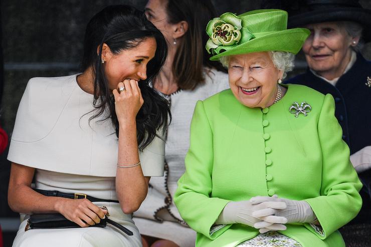 Елизавета II после личной беседы с Меган одобрила выбор внука
