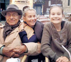 Кончаловский и Высоцкая сняли квартиру, чтобы быть поближе к дочери