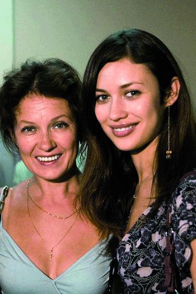 Со временем Куриленко перевезла во Францию и маму – Марину Алябушеву