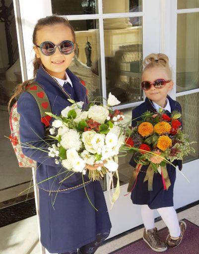Дочери Стаса Михайлова одеты в одном стиле