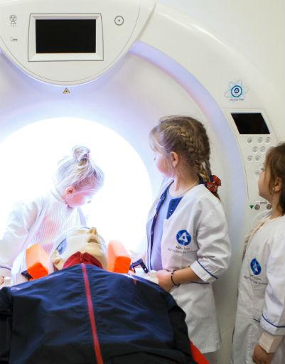 Дети пробовали себя в профессии врачей