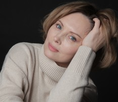 На Елену Ксенофонтову снова подал в суд бывший муж-тиран
