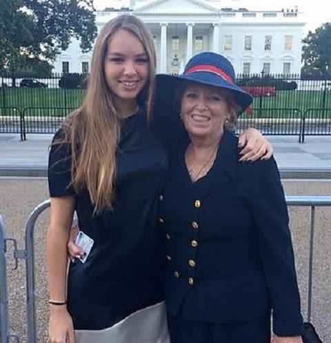 Сирша Кеннеди-Хилл с мамой