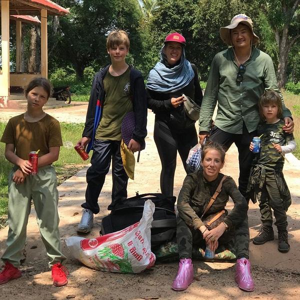 Недавно Юлия посетила с детьми Камбоджу