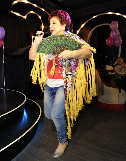 Людмила Порывай пела и танцевала для гостей