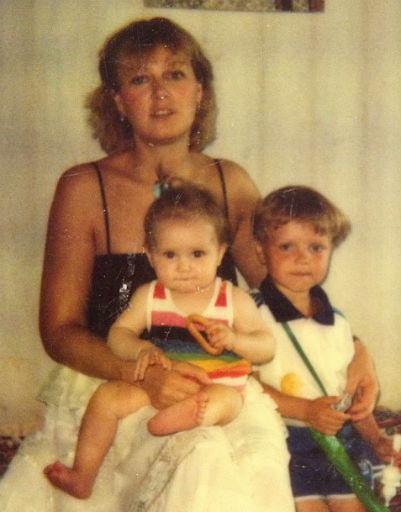 Маленькая Мария Кожевникова с мамой