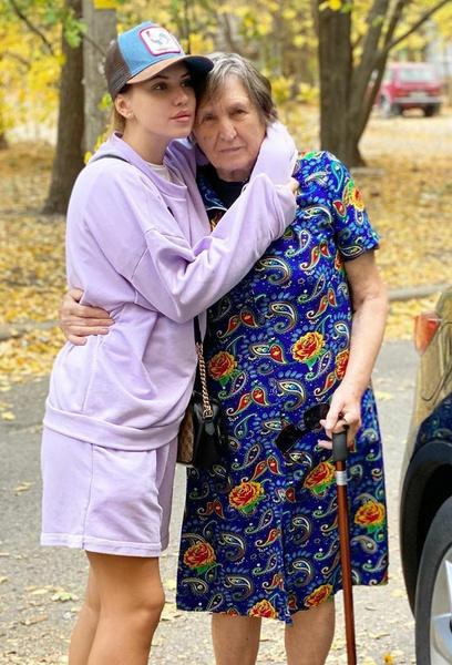 Саша Артемова: «Бабушка из своей пенсии подарила 40 тысяч рублей для правнучки»