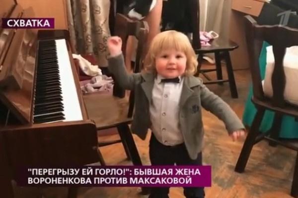 Мать Дениса Вороненкова хотела достать клок волос Вани для проведения ДНК-теста