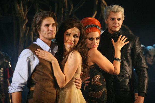 В мюзикле две пары - Маргарита и Мастер и Волнад с Геллой
