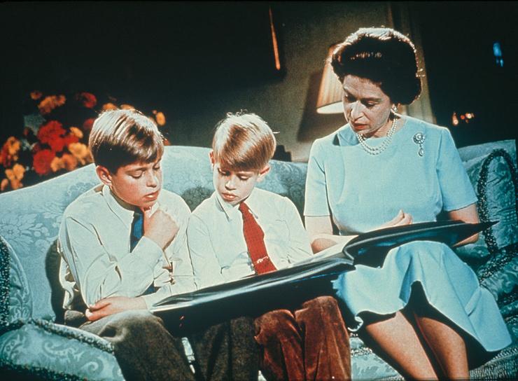 В молодости королева не могла проводить достаточно времени с детьми
