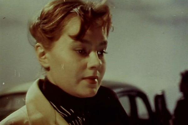 Нина Дробышева играла в кино и в театре, поэтому у нее не было времени на общение с дочерью