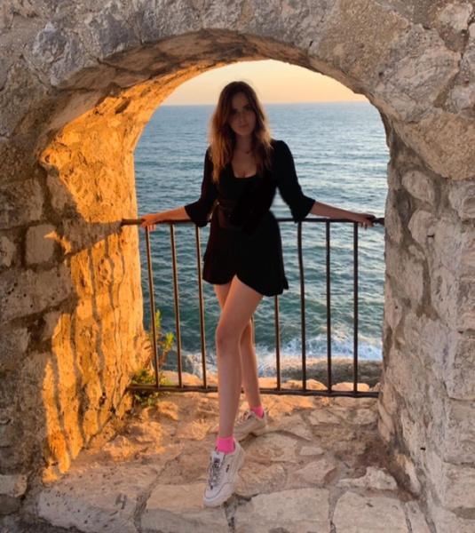 Соня Тарханова живет за границей