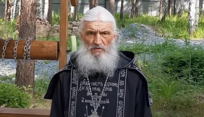 Как отцу Сергию удалось захватить монастырь и при чем тут «Уральские пельмени»: хронология событий