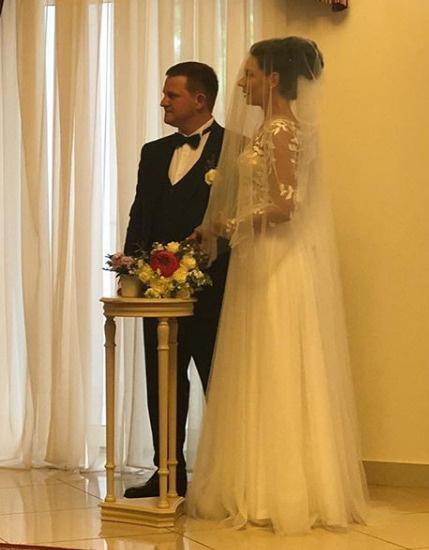 Звезда сериала «Мажор» Александр Обласов опубликовал фото со свадьбы