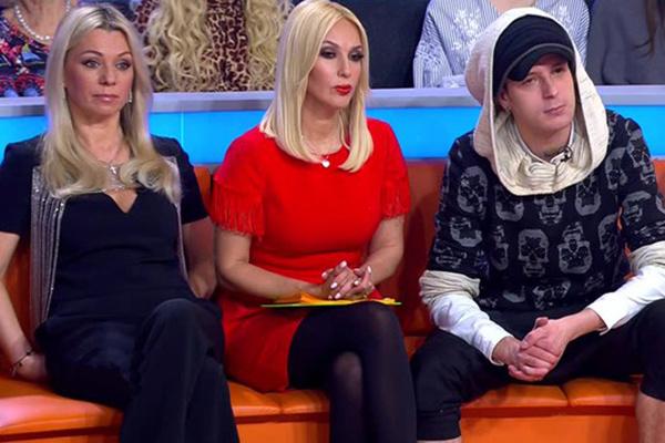 Широкую известность семейный конфликт обрел, когда Даниил появился в шоу «Звезды сошлись» на НТВ
