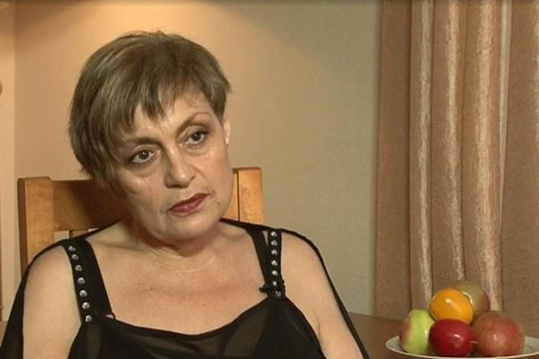Анастасия уверена, что мать ее бросила