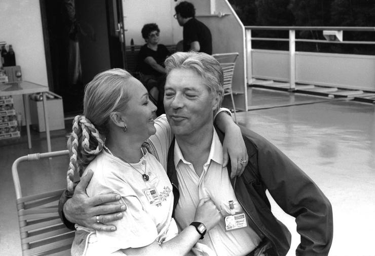 Гвоздикова обрела долгожданное счастье во втором браке с актером Евгением Жариковым, которого не стало в 2012-м
