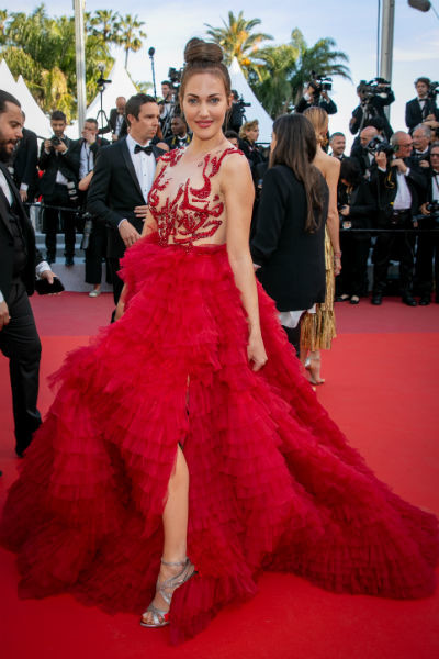 Актриса часто выбирает откровенные наряды для красной дорожки