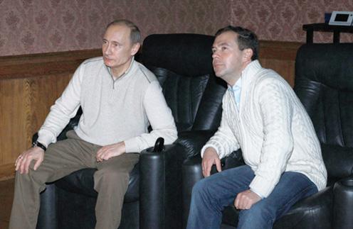 4 декабря 2010 года: «Вчера вечером с Владимиром Путиным посмотрели «Брестскую крепость». Неплохое кино о Великой Отечественной войне».