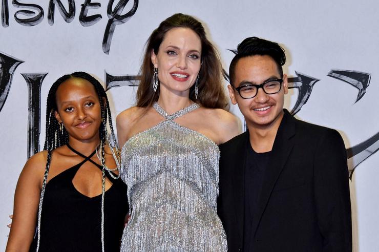 Анджелина с Захарой и Мэддоксом