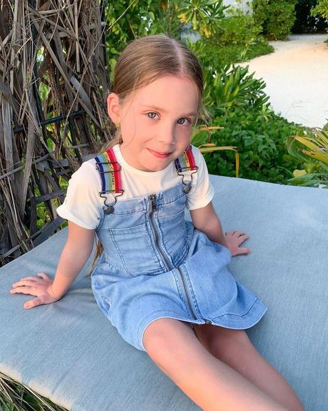 Артисты хотят, чтобы Настя не была обделена родительским вниманием