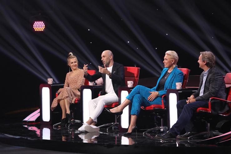 Сейчас главное место в жизни Евгения Папунаишвили занимает работа: бизнес и судейство в шоу «Удивительные люди»