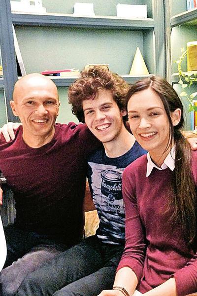 Паулина с отцом Олегом Андреевым и младшим братом Игорем