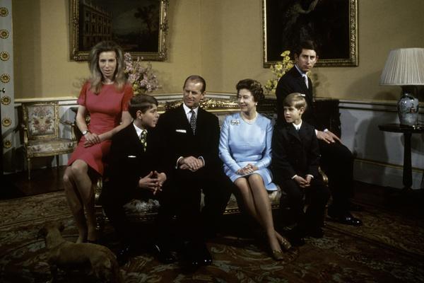 В браке у королевы и принца Филиппа родились три сына и дочь